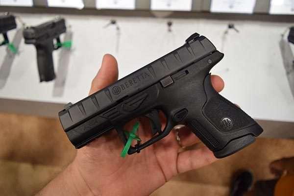 Beretta APX Compact